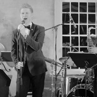 Live music at Derbyshire wedding reception