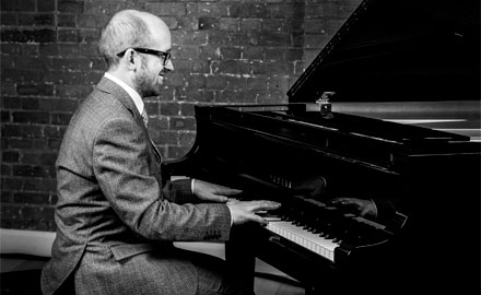 Cocktail and wedding pianist available to hire for wedding ceremonies, corporate events and dinner parties