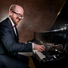 Wedding pianist - with a huge range of classical, jazz and film music for your ceremony available in combination with a cellist, trumpeter or vocalist