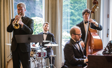 Down for the Count - musicians performing acoustic live background lounge jazz music for wedding receptions and corporate events in London, the UK and internationally