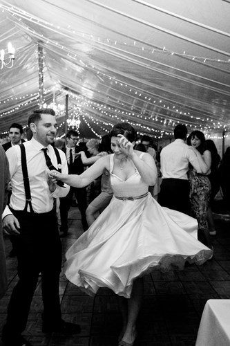 The first dance to live music at a wedding reception in Buckinghamshire