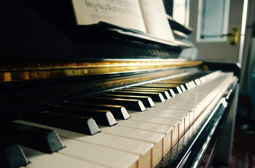 Classical wedding pianist for hire for wedding ceremony music